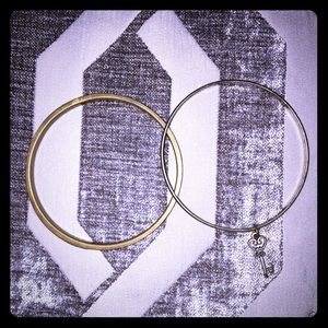 Gold key and wooden bangles set